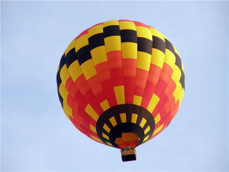 Picture Of Hot Air Balloon Sailing